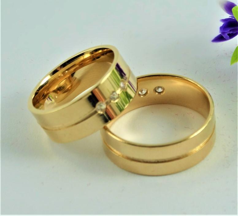 Aliança Masculina Um fio para Par com Três Pedras Banhada a Ouro 18k garantia Vitalícia