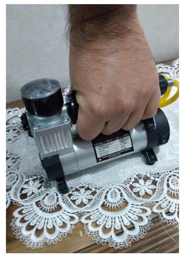 Mini Compressor Ar Em Metal 12v 140 Psi Carro Moto Bike Bola