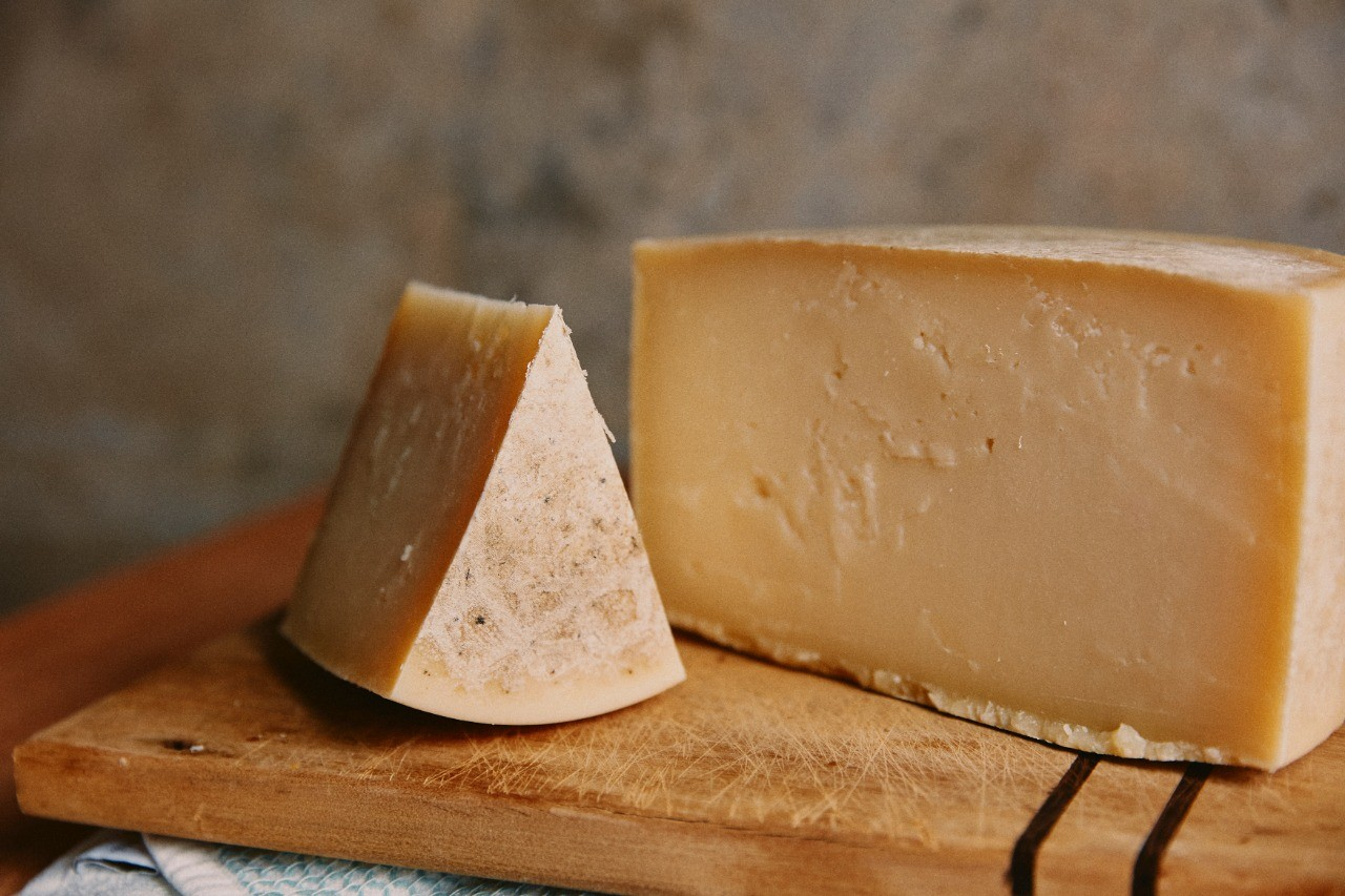 Maratimba - Queijo maturado de leite de ovelha e vaca  - 250g