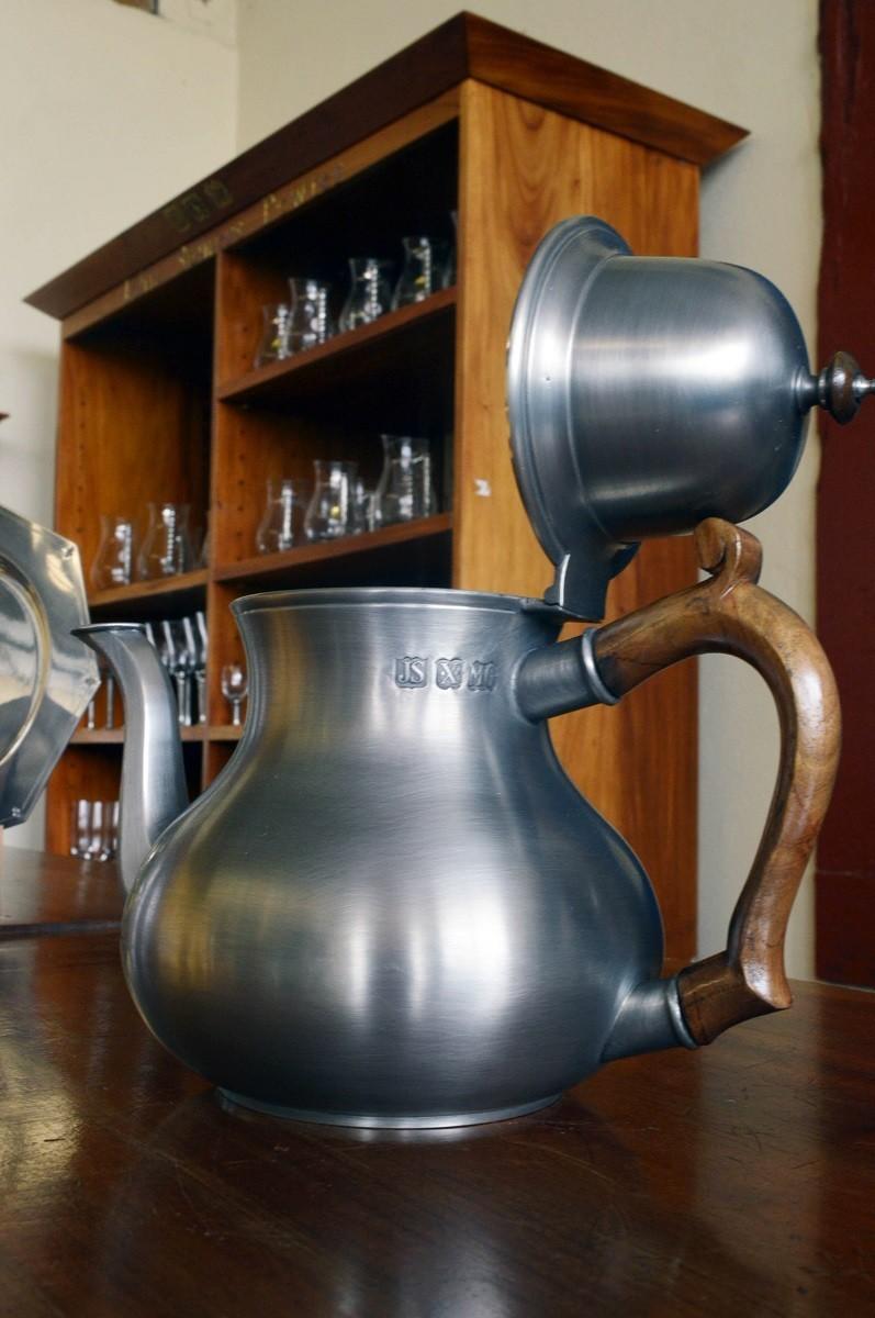 Bule de chá com alça de madeira, capacidade 1,62L (P264)