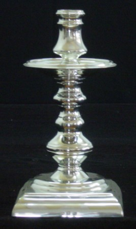 CASTIÇAL BASE QUADRADA (P428)