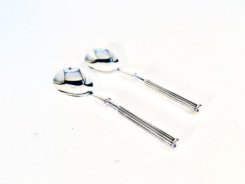 Conjunto com duas colheres para salada de inox com cabo de estanho modelo Dórica (CSA07)