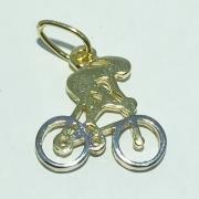 Pingente Folheado Ouro 18K e Ródio Ciclista