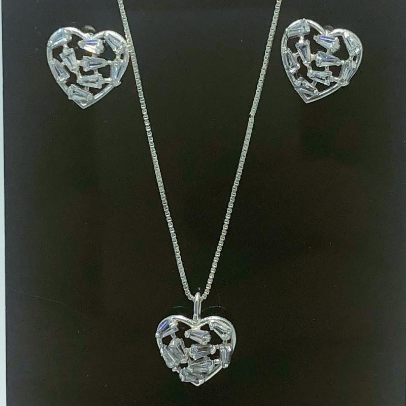 Conjunto Colar Pingente e Brinco Prata 925 Coração Borda Lisa e Zircônia