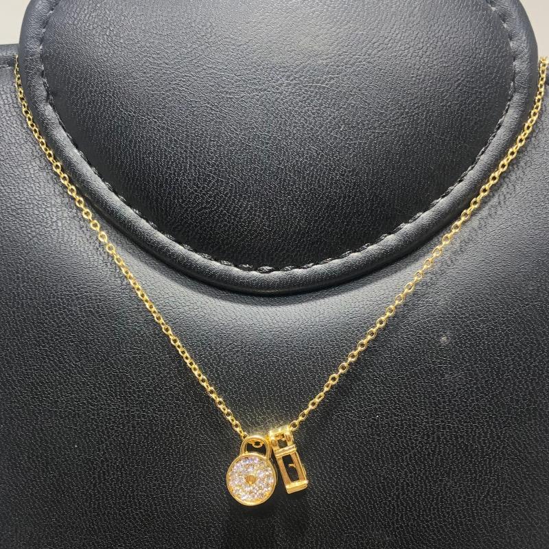 Corrente com Pingente Folheado Ouro 18k Chave e Cadeado Cravejado Zircônia