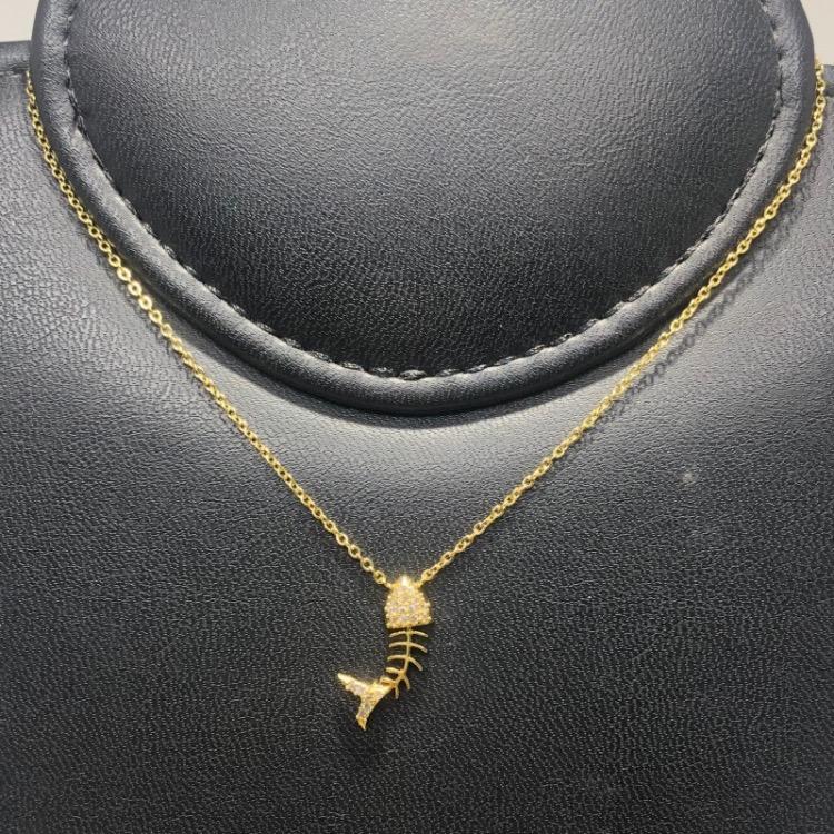 Corrente com Pingente Folheado Ouro 18k Espinha de Peixe Cravejado Zircônia