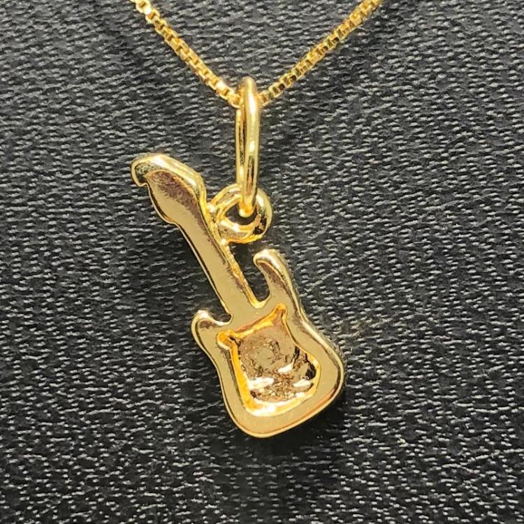 Corrente com Pingente Folheado Ouro 18k Guitarra Ródio