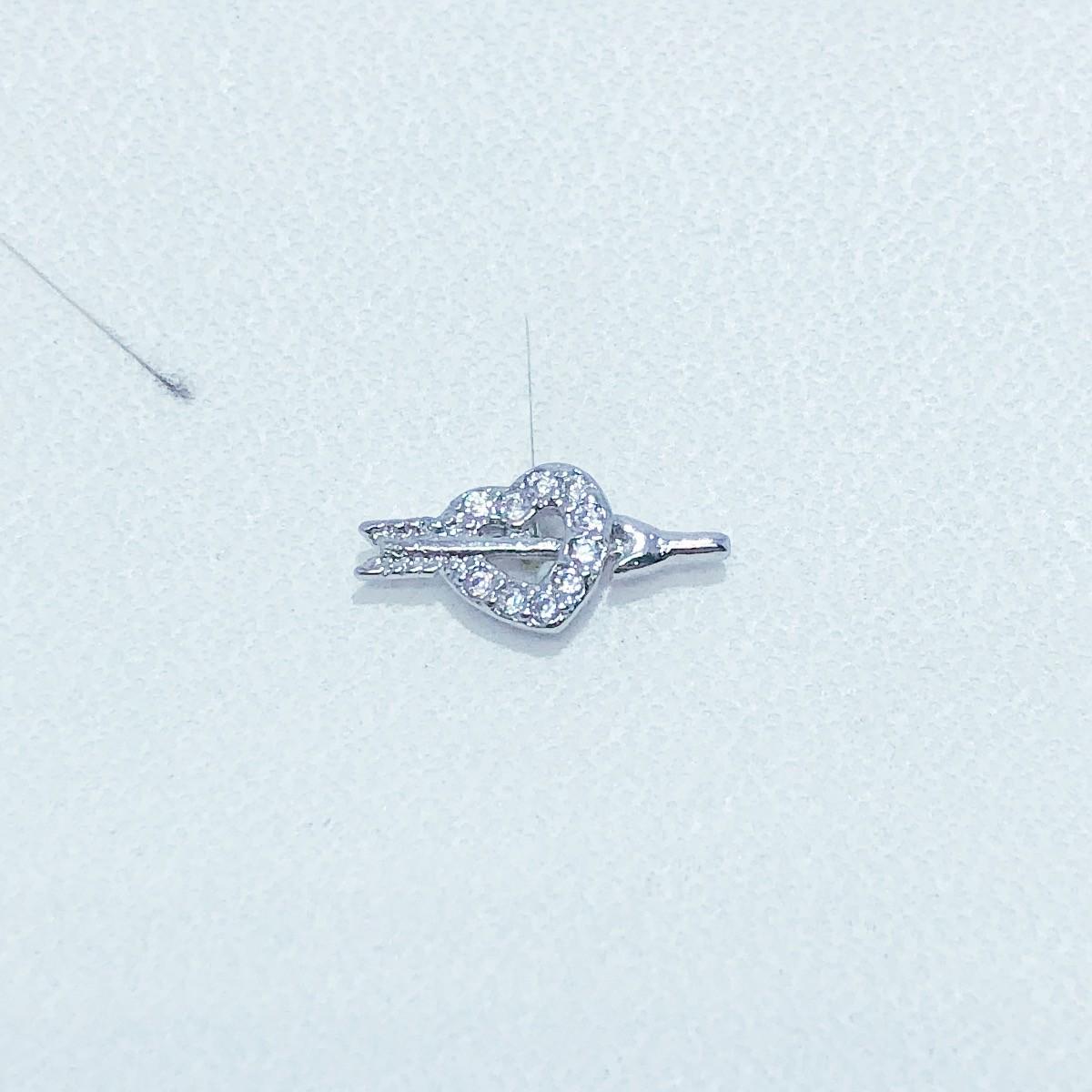 Piercing Tragus Banho de Ródio Coração Cupido cravejado zircônia