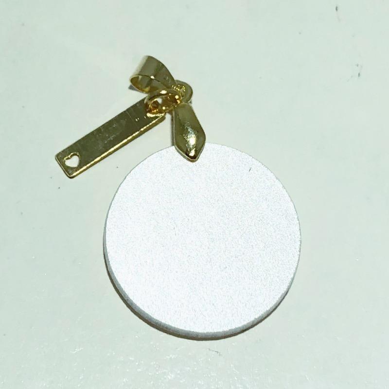 Pingente Folheado Ouro 18K Madrepérola Redondo Cachorro 18mm