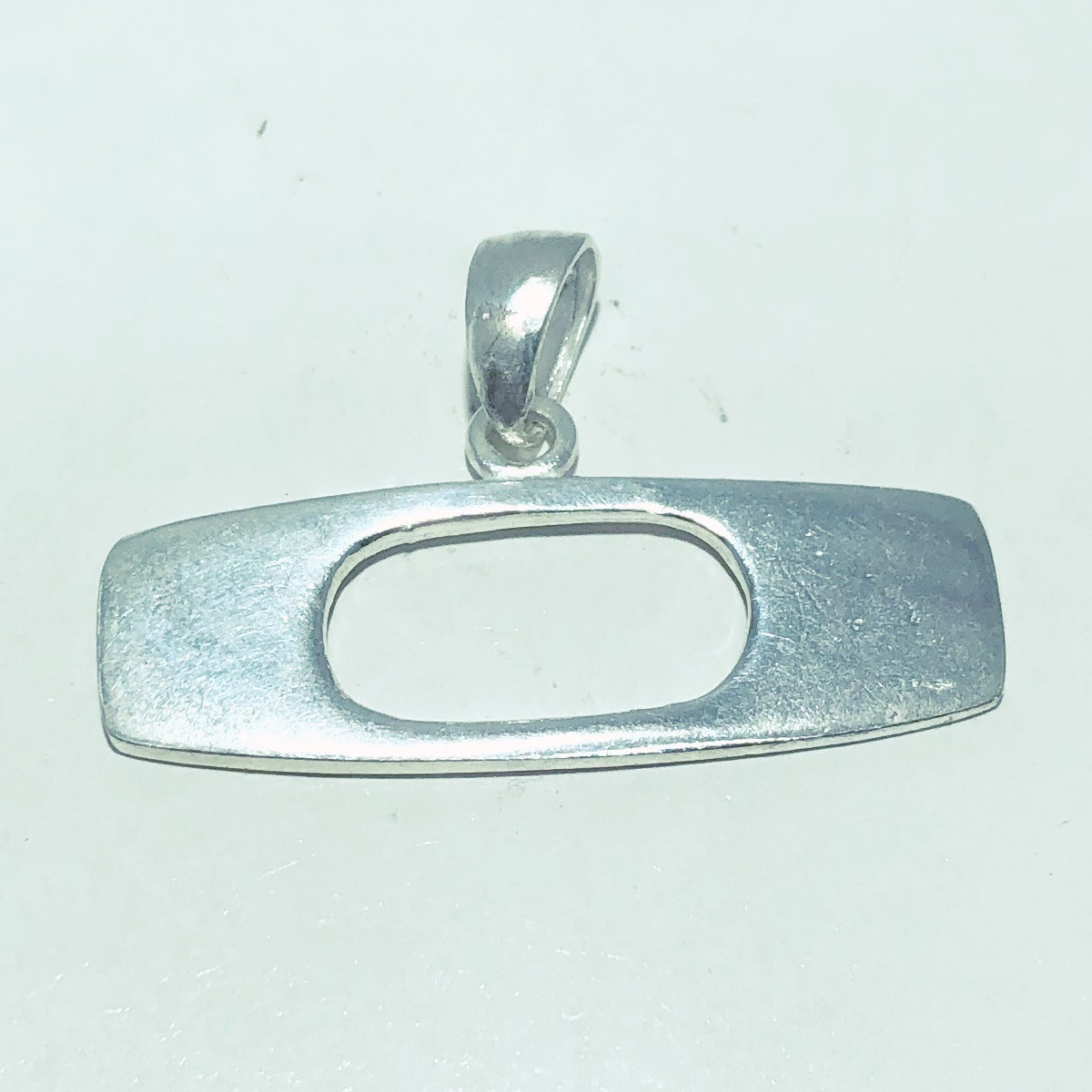Pingente Prata 925 Medalha Estilo  OAKLEY Liso