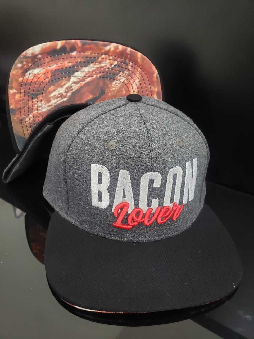 Boné Bacon Lover F.A. com Foto do Bacon F.A. na Aba
