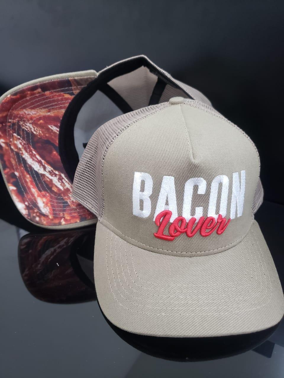 Boné Bacon Lover F.A. Trucker com Foto do Bacon F.A. na Aba