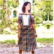 Vestido mid estampa digitalizada decote ombro a ombro