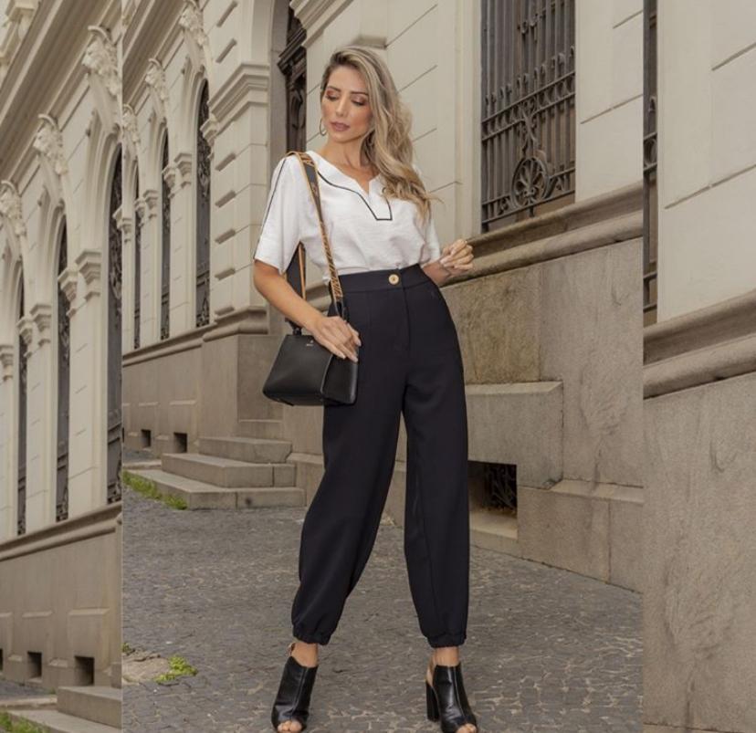 blusa decote v com detalhes preto