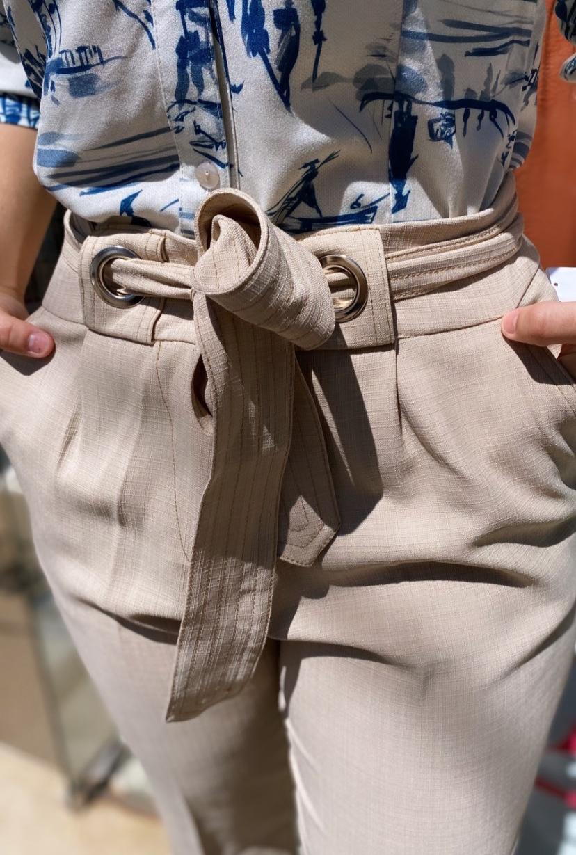 calça crepe faixa ilhos