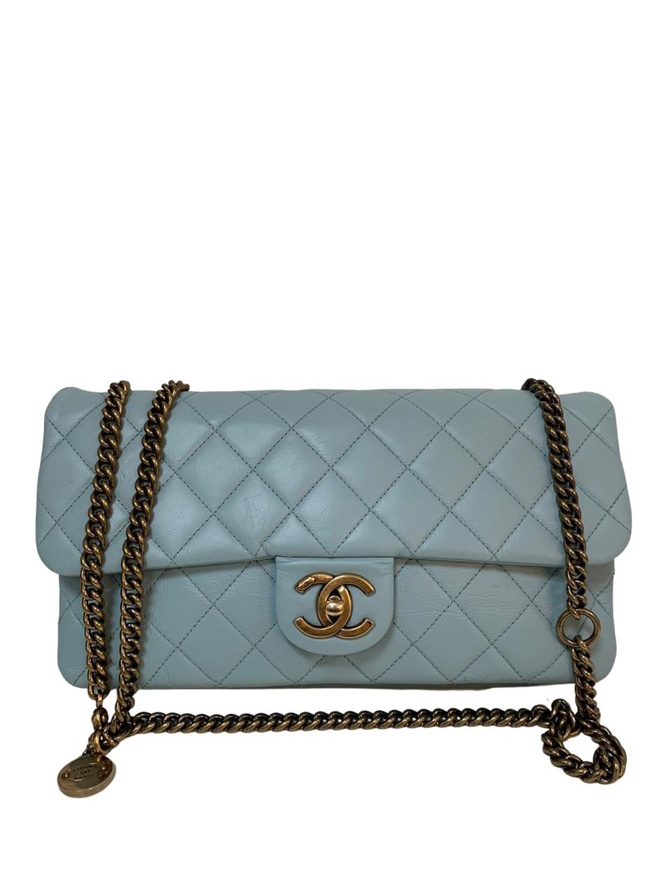 Bolsa Chanel Easy Flap Couro Lambskin Azul Bebê