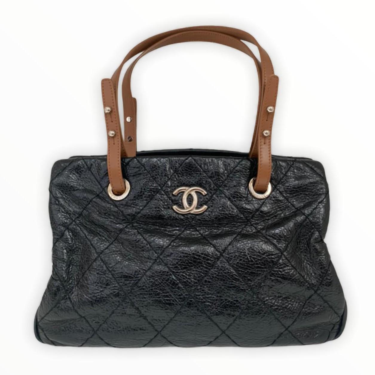 Bolsa Chanel On The Road Tote