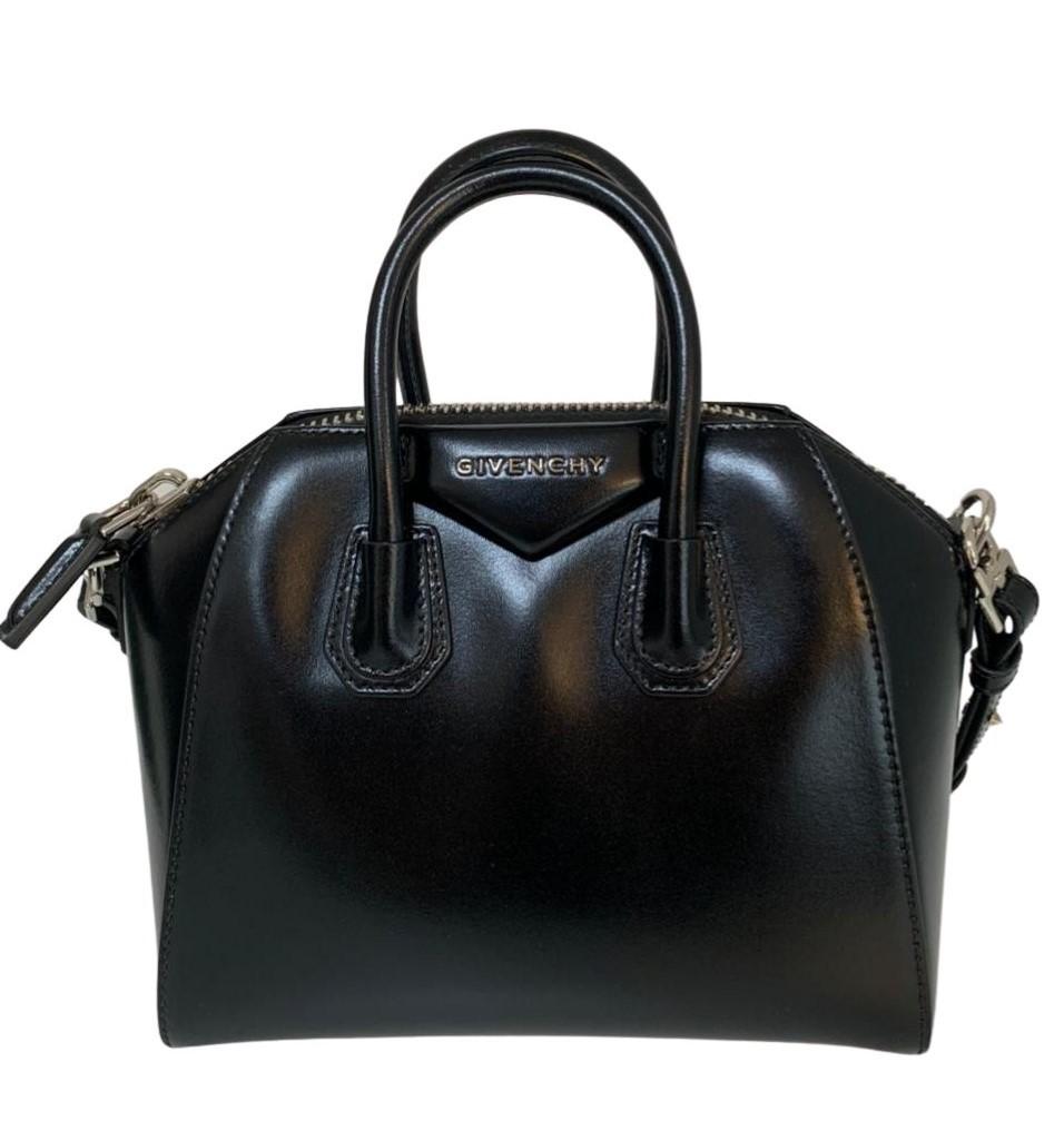 Bolsa Givenchy Antigona Small Preta