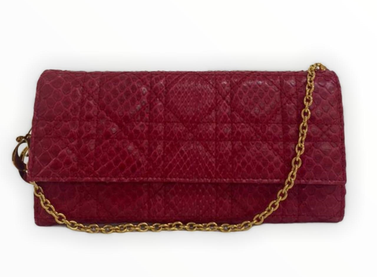 Clutch Dior Cannage Quilted Grained Python Vermelha