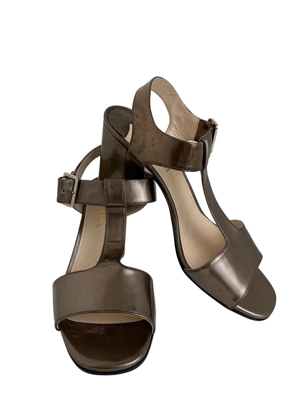 Sandália Metalizada Prada