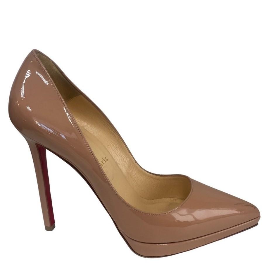 Sapato Louboutin Nude