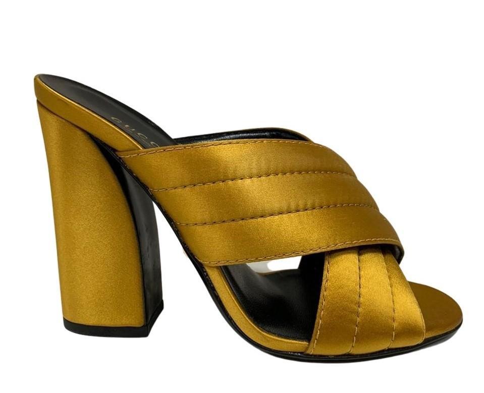 Tamanco Gucci Dourado