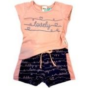 Conjunto com Camiseta e Shorts Moletinho