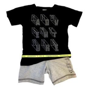 Conjunto Camiseta e Bermuda T-rex
