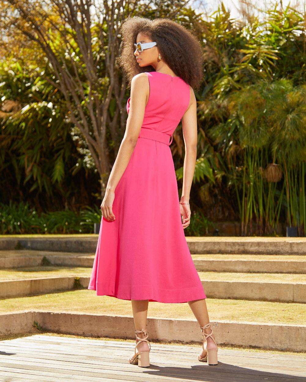 Vestido de Linho Detalhe Pespontos e Cinto
