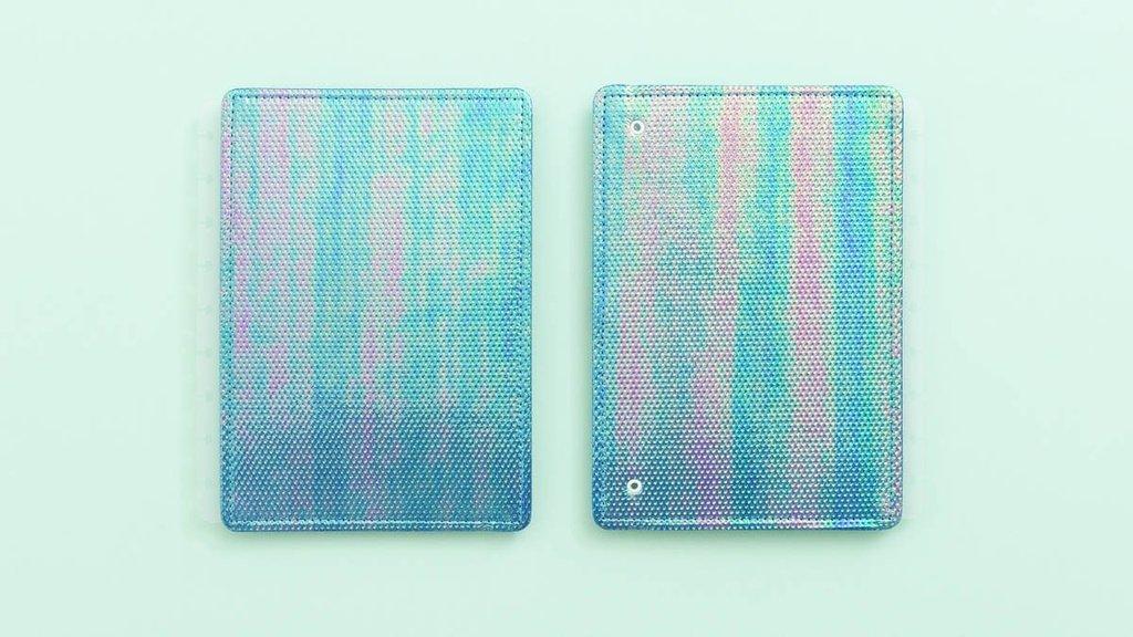 Capa e Contracapa Média Azul Holográfico - Caderno Inteligente