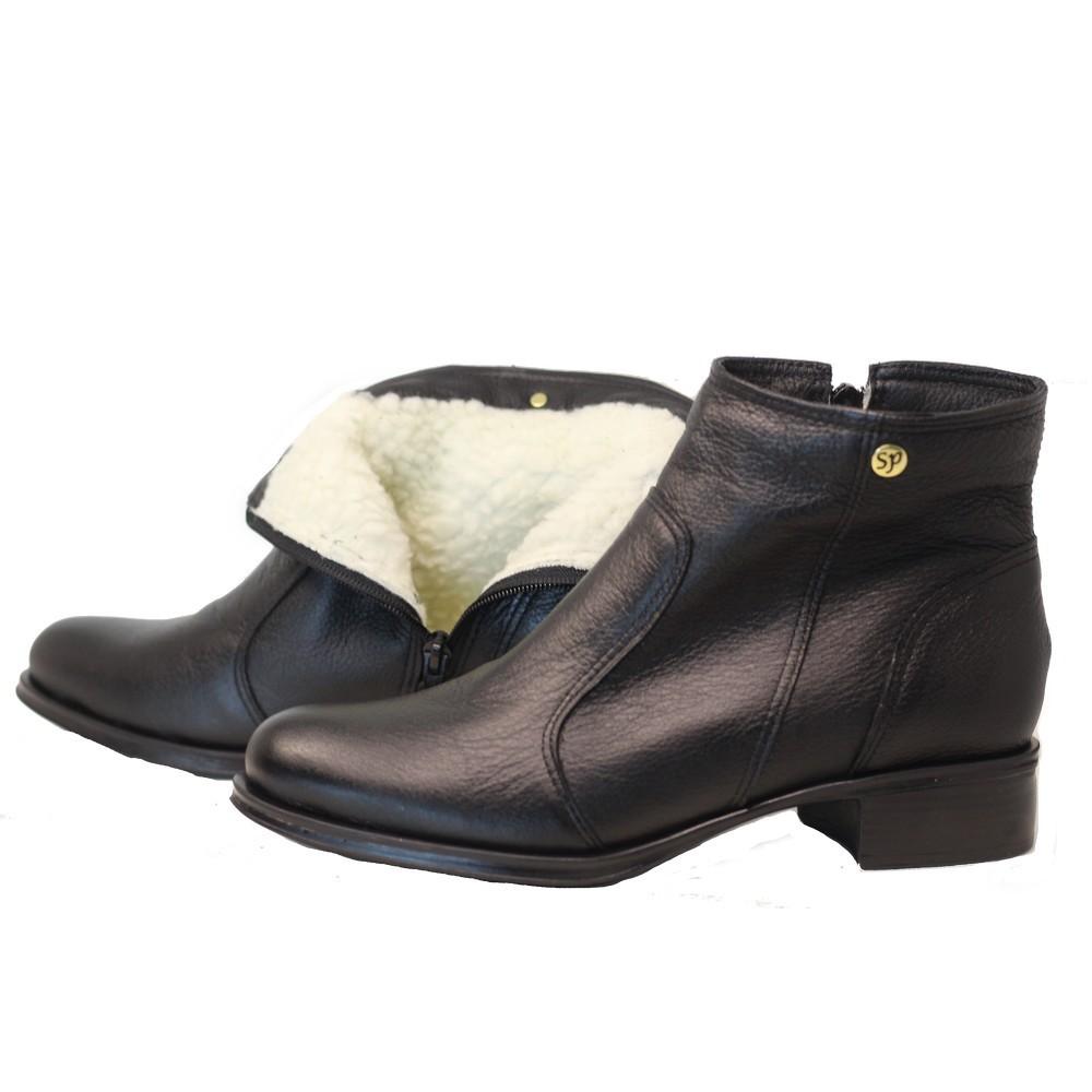Bota cano curto lã sintética couro salto 2cm bico redondo preto