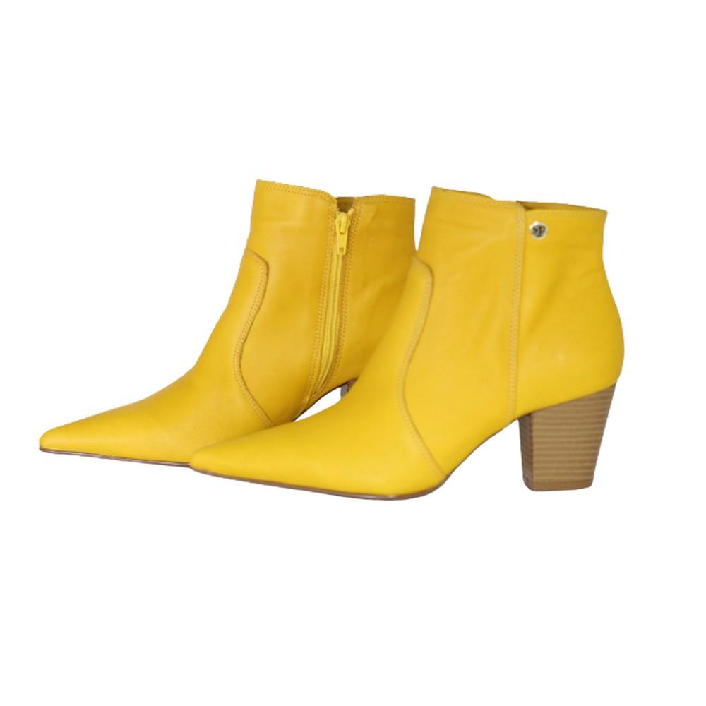 Bota Feminina Bico Fino Cano Curto Couro Salto 6 cm Amarelo