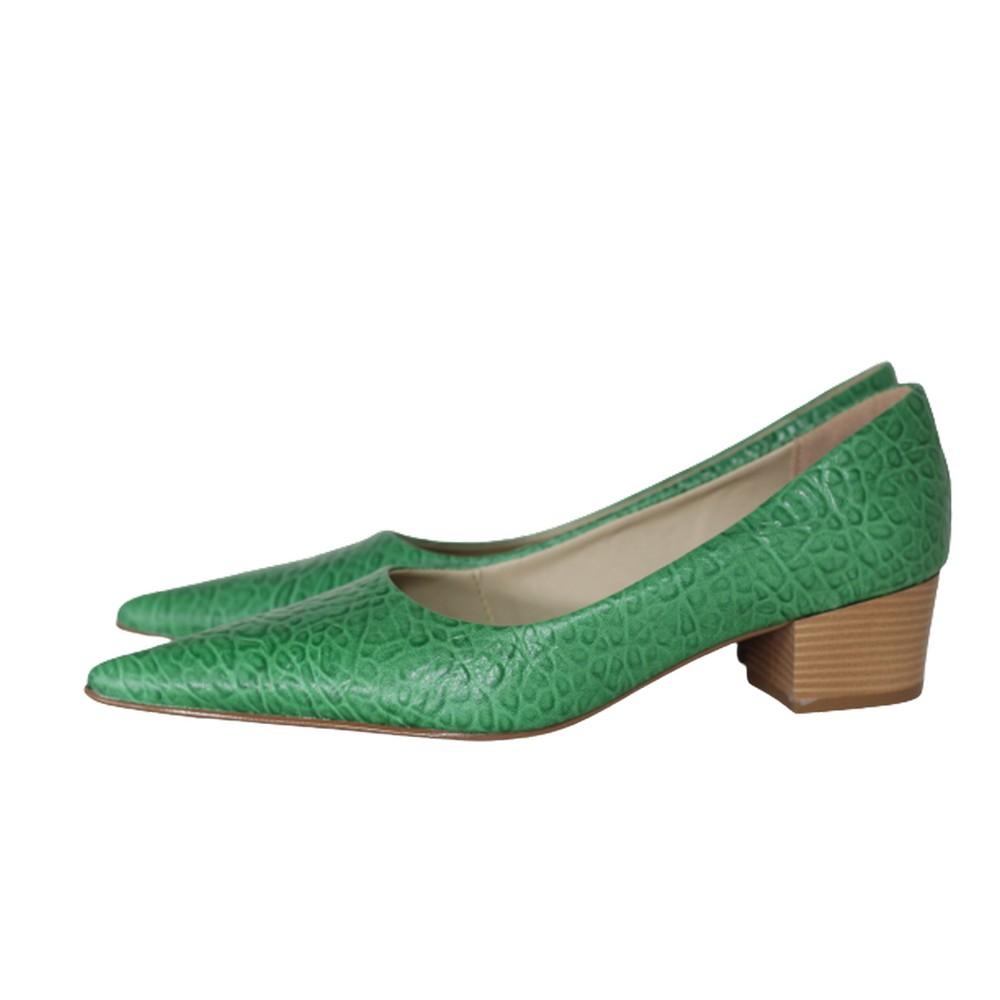 Scarpin Bico Fino em Couro Salto Grosso 4 cm Verde Claro