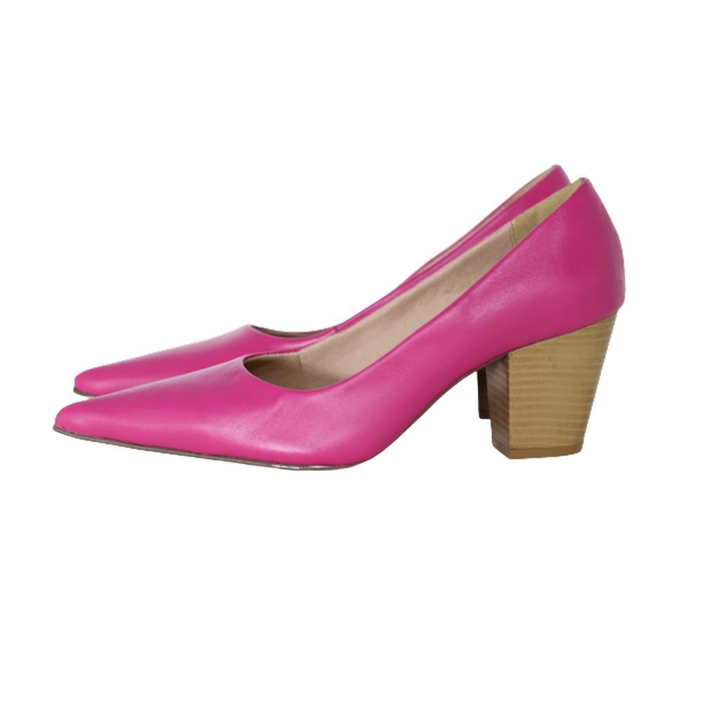 Scarpin Bico Fino em Couro Salto Grosso 6 cm Pink