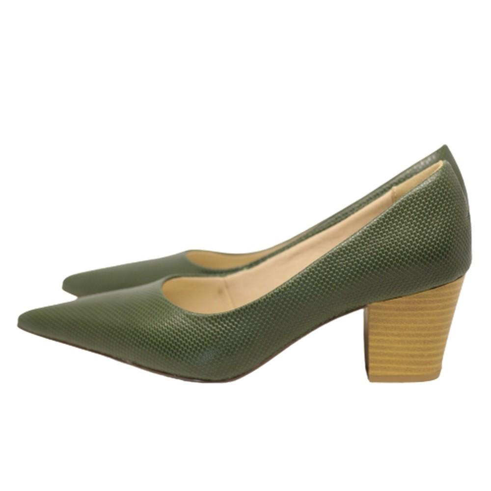 Scarpin Bico Fino em Couro Salto Grosso 6 cm Verde Claro