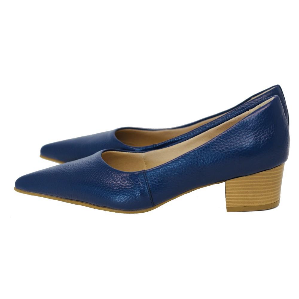 Scarpin Bico Fino em Couro Salto Grosso 4 cm Azul