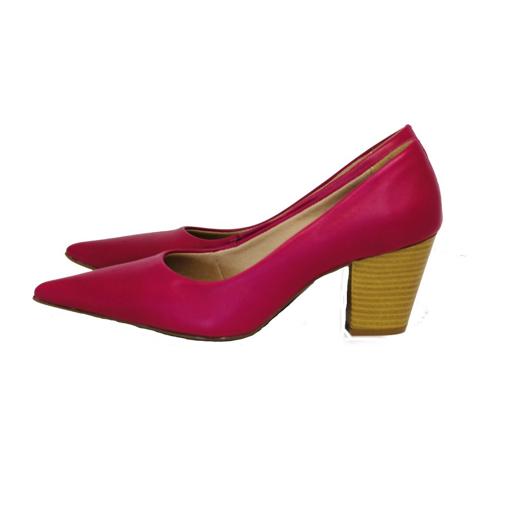 Scarpin Bico Fino em Couro Salto Grosso 6 cm Rosa