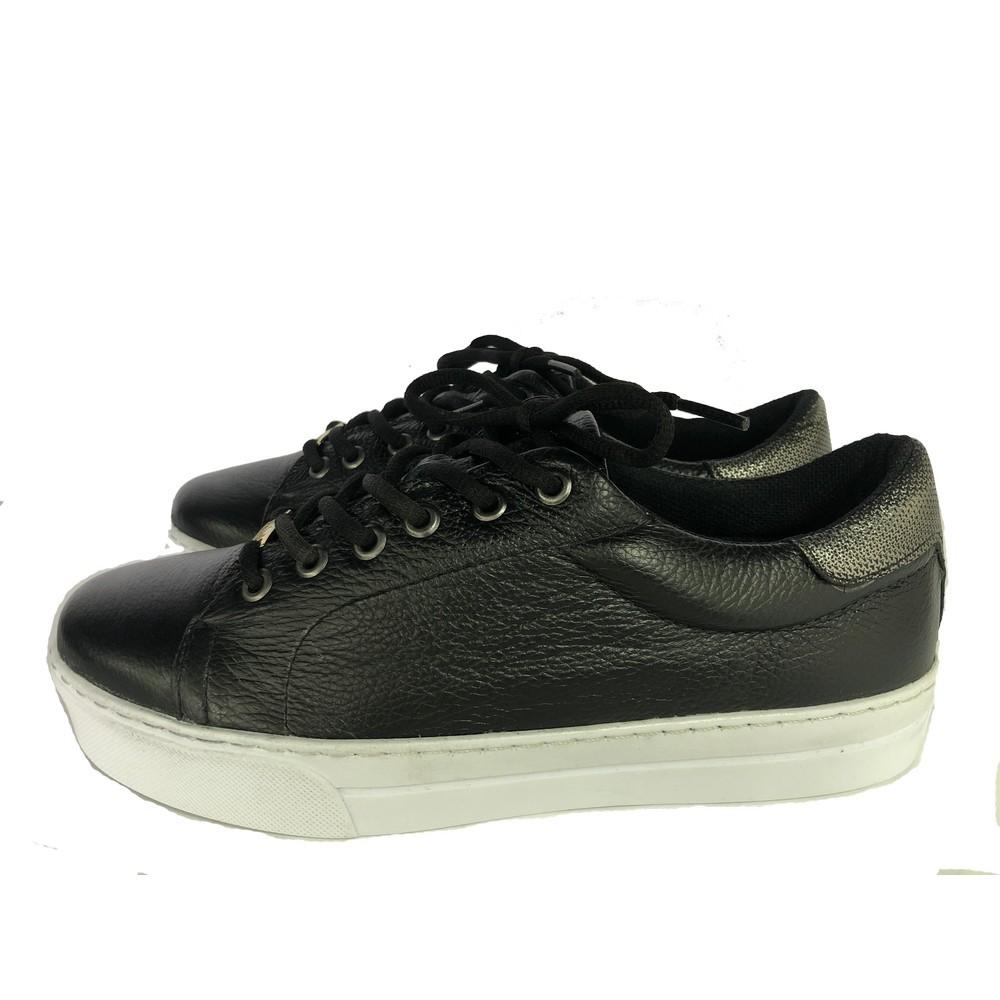 Tênis Feminino Sneaker com Cadarço em Couro Preto