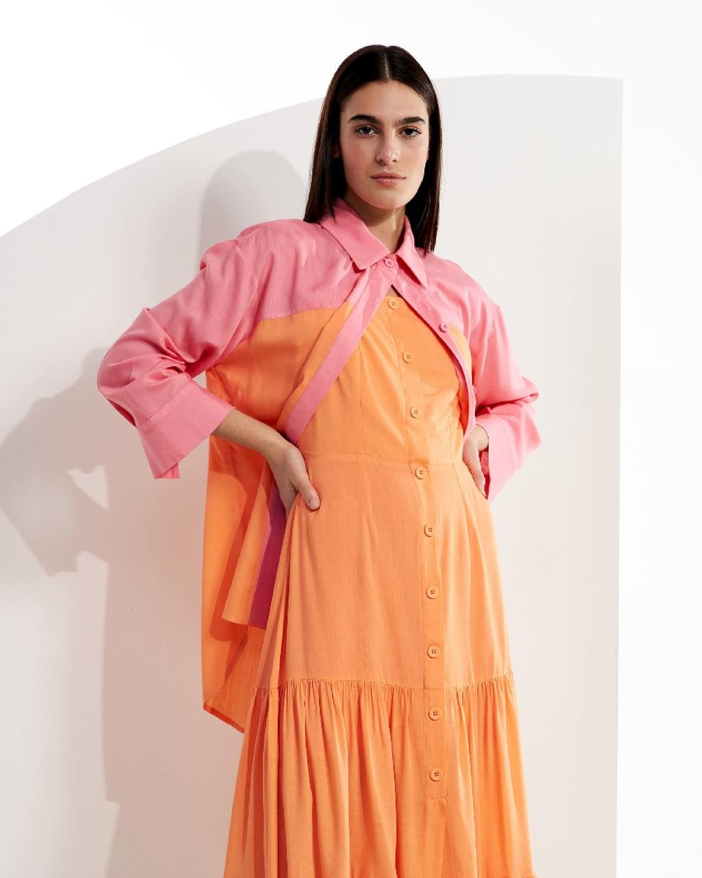 Camisa Alongada Bicolor com Recortes