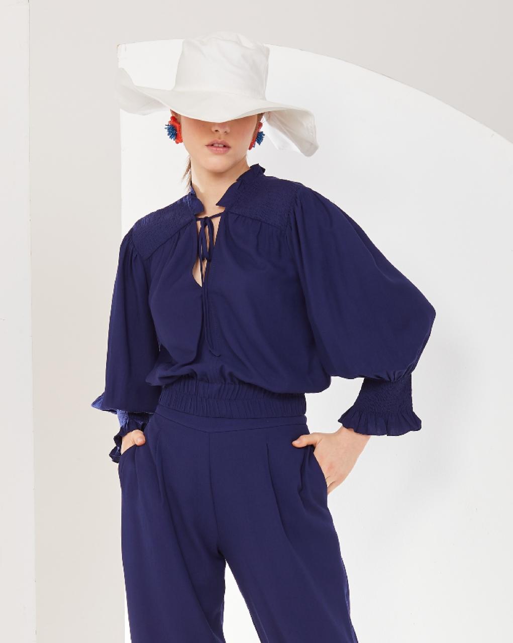 Camisa com Amarração e Detalhe em Lastex