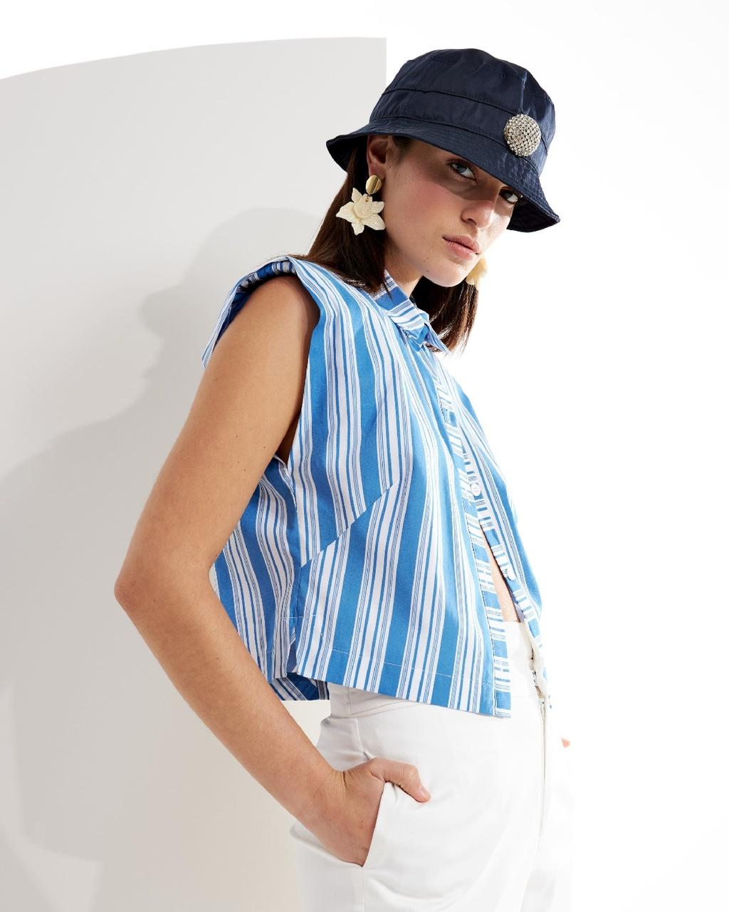 Camisa Listrada com Ombreiras