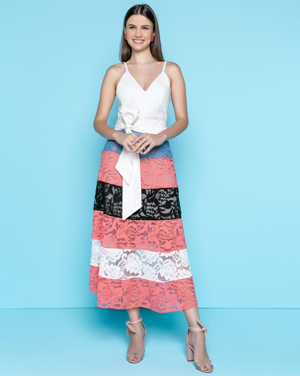 Vestido Midi com Recortes de Renda
