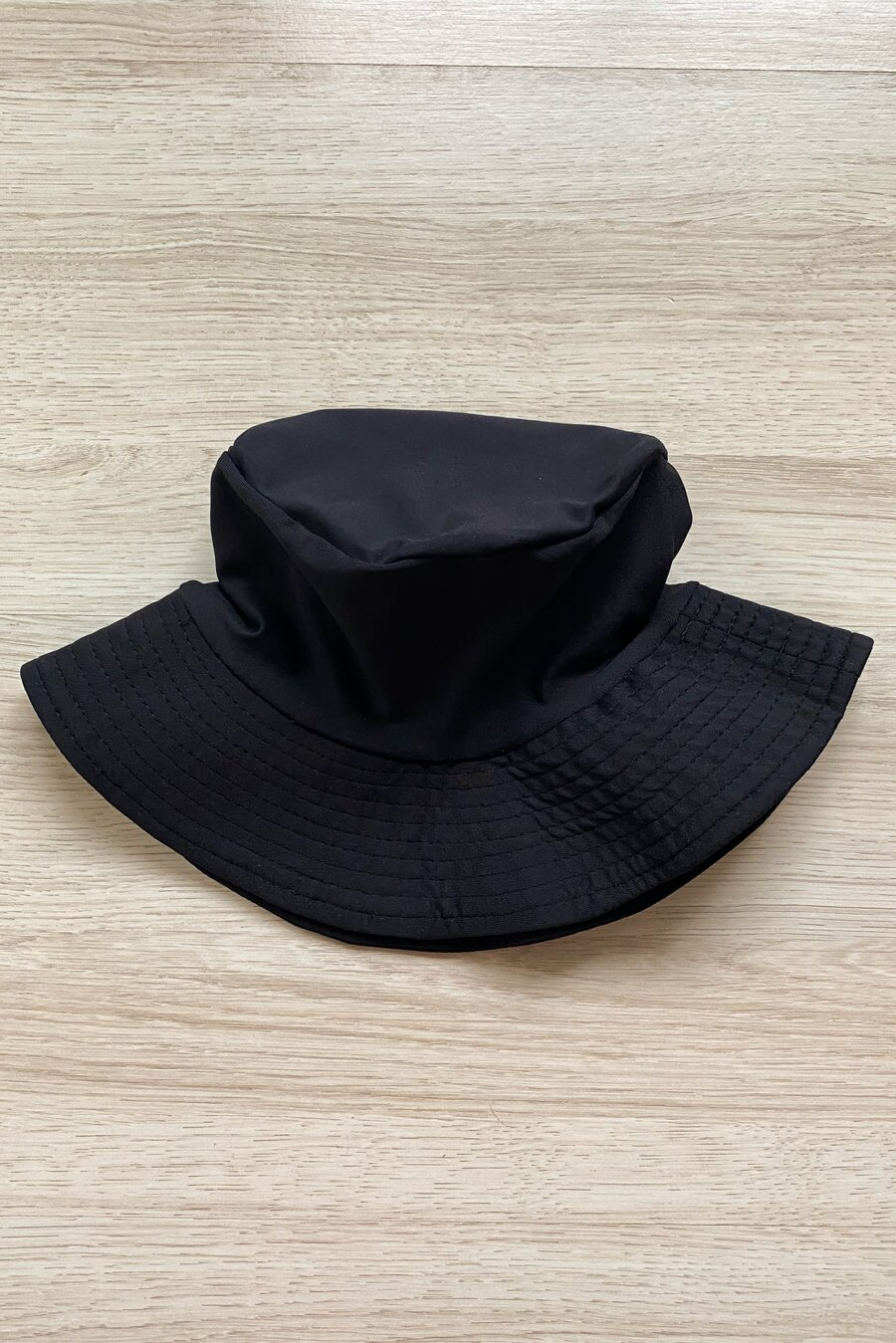 BUCKET BLACK