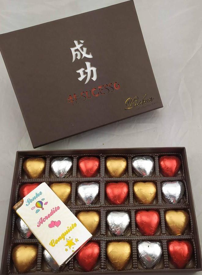 Caixa Chocolate Sucesso 24 Corações Presente Aniversário