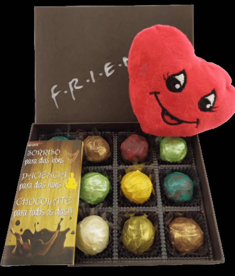 Caixa de Chocolate Pelúcia Coração Presente Amigo Cumplice