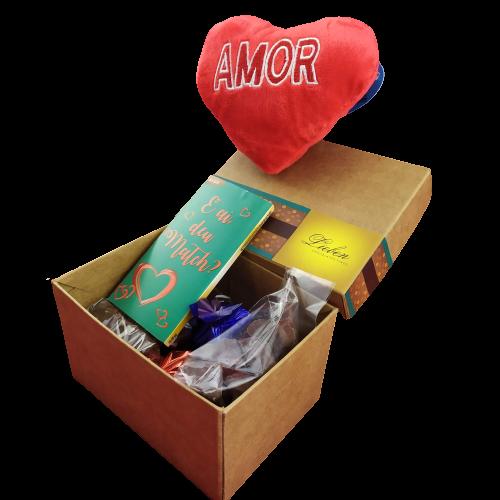 Caixa surpresa de amor para presentear chocolates e pelúcia