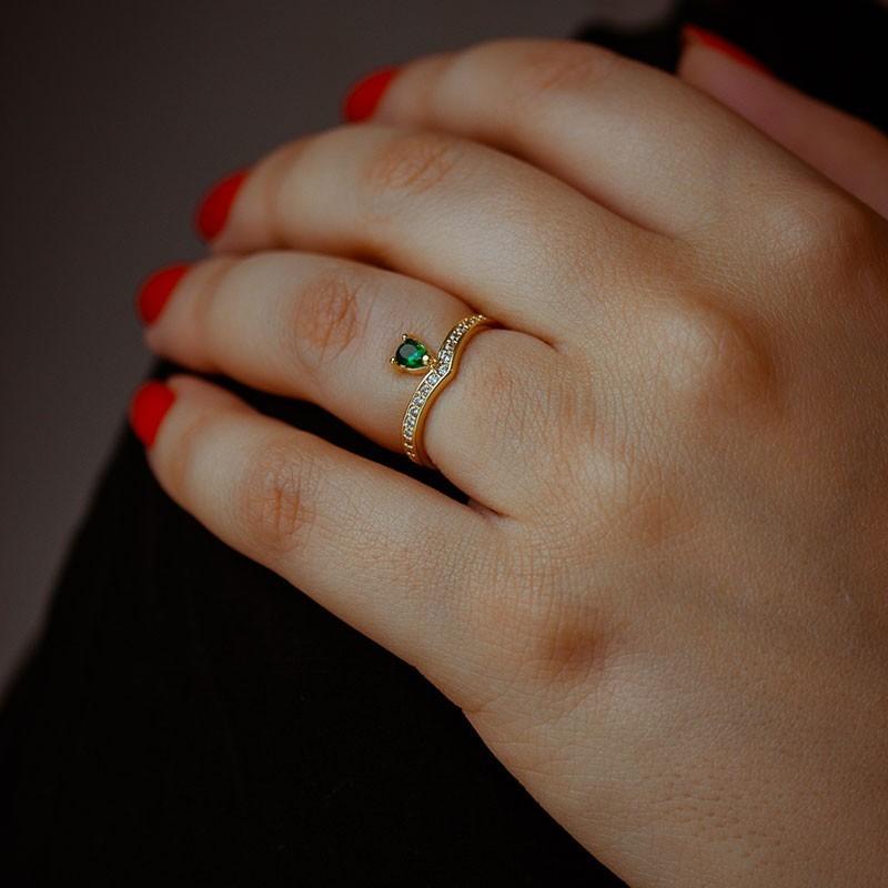 Anel com gota verde banhado a ouro 18k feminino