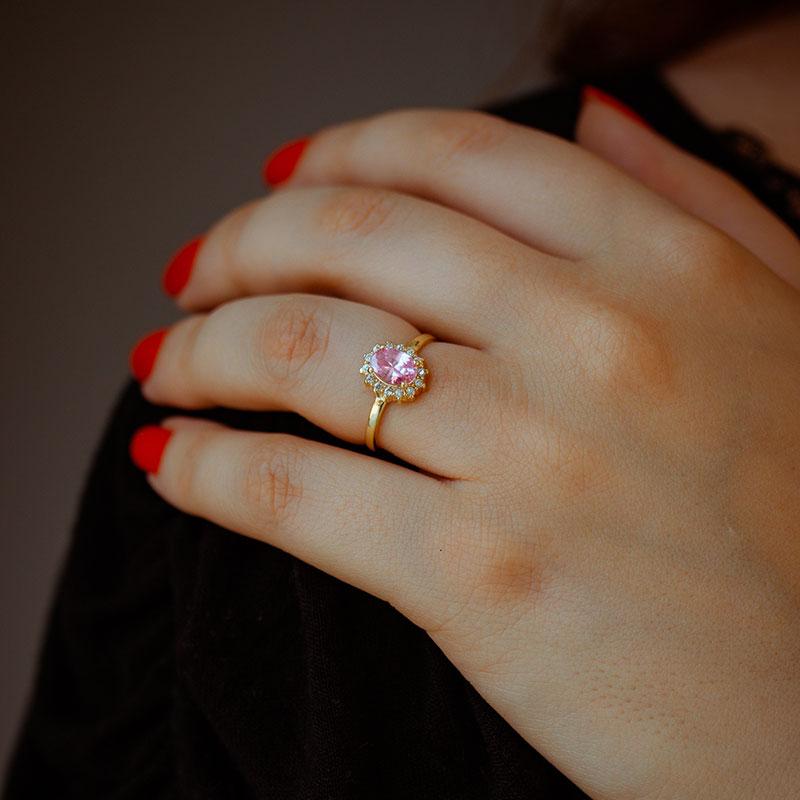 Anel com pedra rosa banhado à ouro 18k feminino