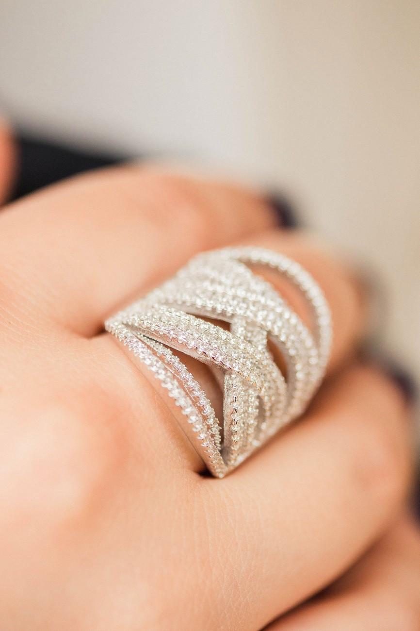 Anel de Prata 925 Grande com Pedras Feminino