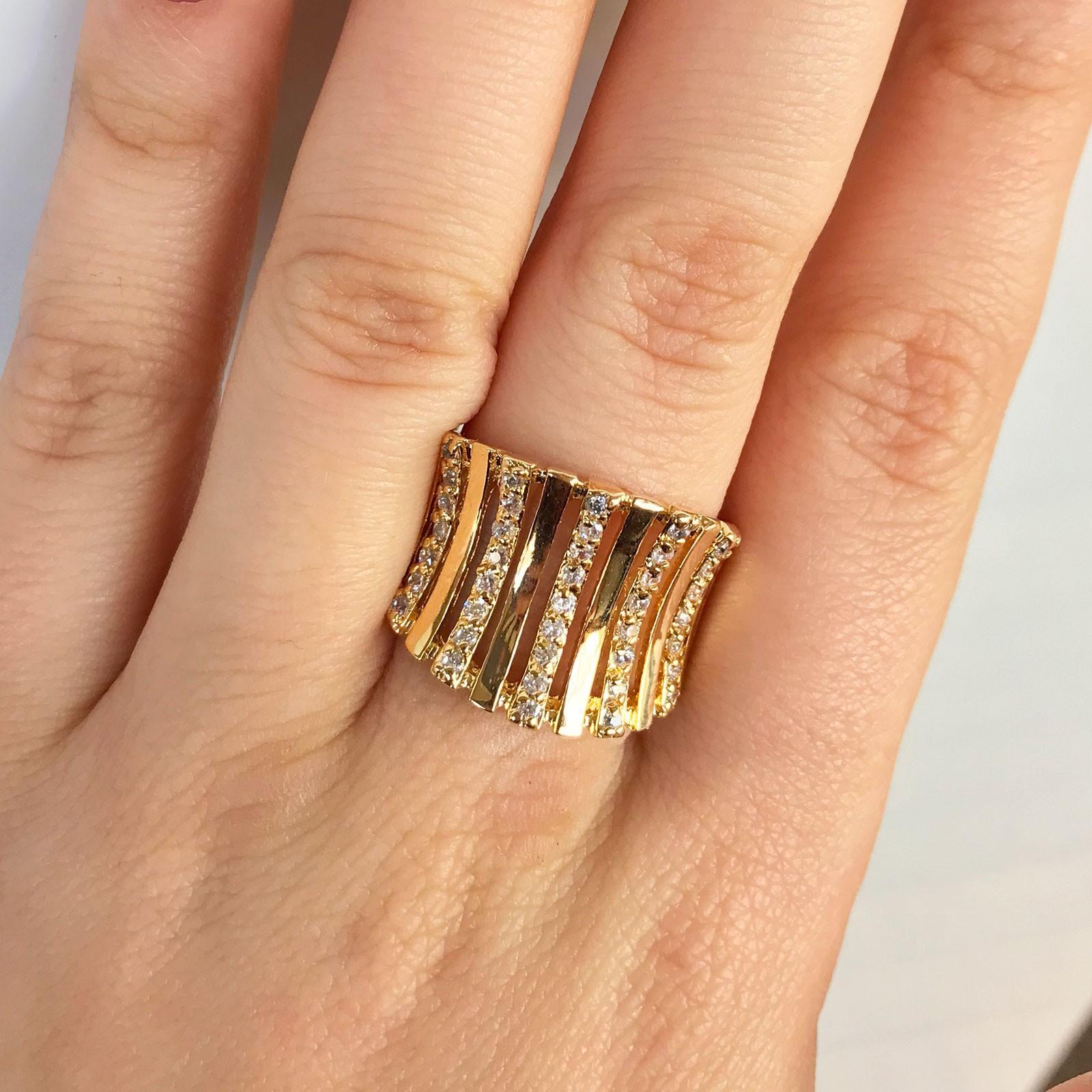 Anel Dourado com Pedras Banhado à Ouro 18k
